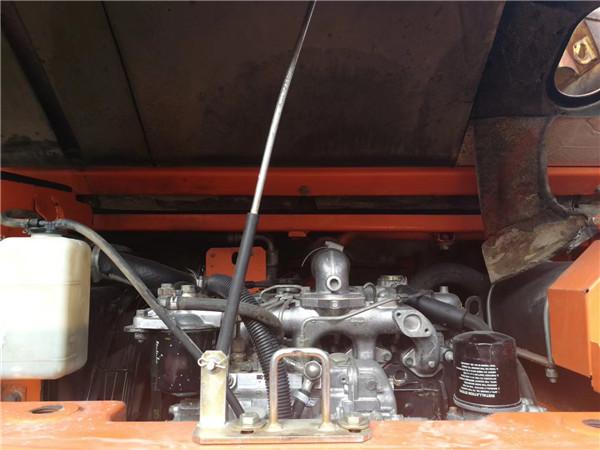 海关日立ZX75无尾二手小挖机发动机