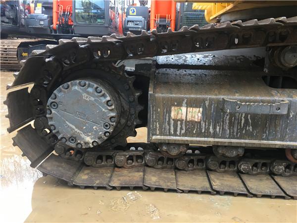 进口二手小松PC200-8N1挖掘机出售履带