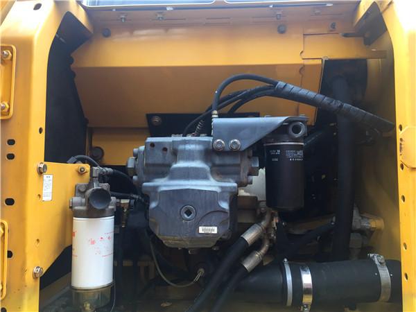 进口二手小松PC200-8N1挖掘机出售液压泵