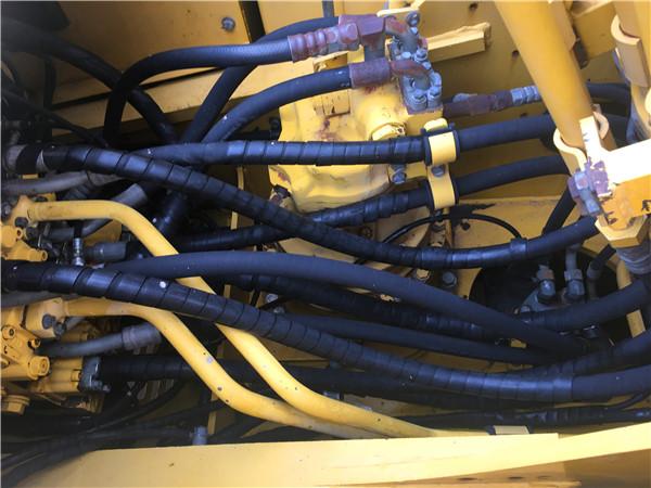 进口二手小松PC200-8N1挖掘机出售分配器