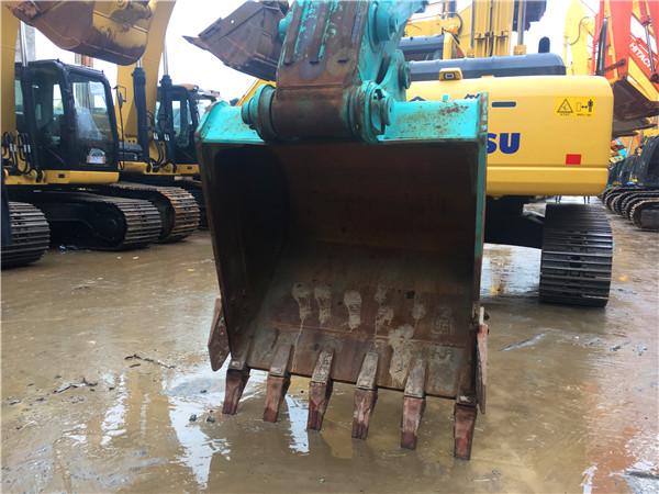 进口神钢260D中型二手挖掘机转让挖斗
