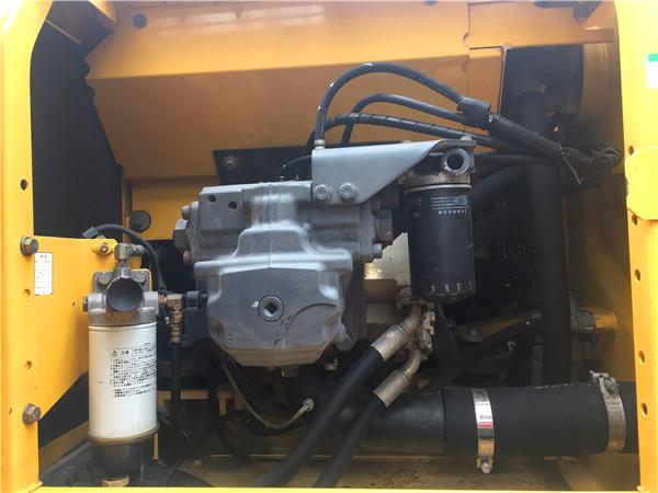 进口小松PC200-8二手挖掘机市场液压泵
