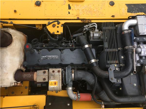 进口小松PC200-8二手挖掘机市场发动机