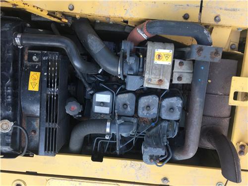 进口小松PC120-6EO二手挖掘机发动机