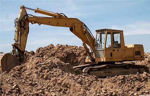 挖掘机驾驶员如何在工作中提升挖掘效率?