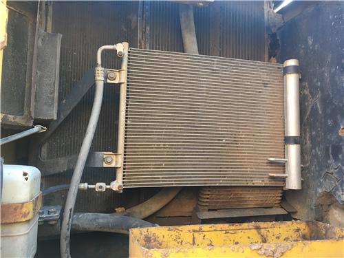 原版小松PC240-8中型二手挖掘机冷凝器