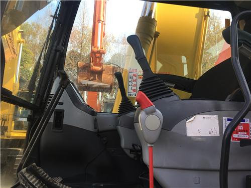 報關小松PC180LC-7二手挖掘機駕駛室