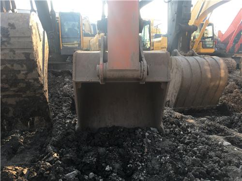 二手日立ZX350LC挖掘机市场挖斗