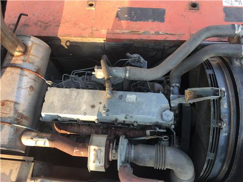 二手日立ZX350LC挖掘机市场发动机
