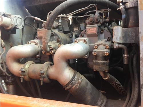 二手日立ZX350LC挖掘机市场液压泵
