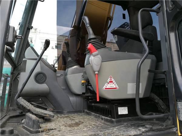 進口小松120-8二手挖掘機駕駛室