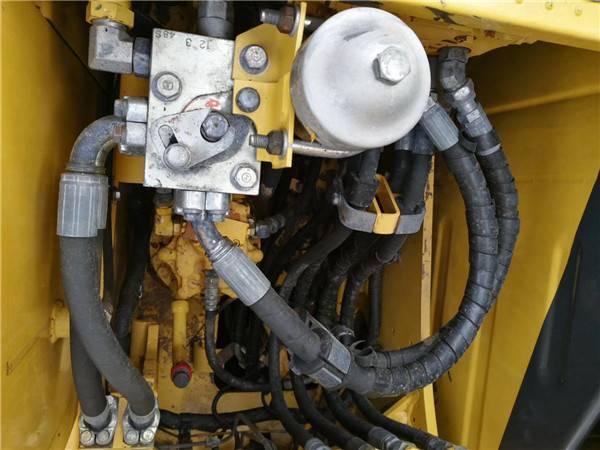 進口小松120-8二手挖掘機分配器