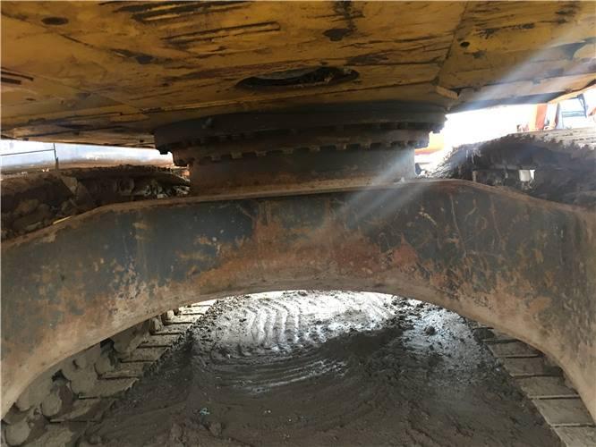 二手小松160挖掘機底盤