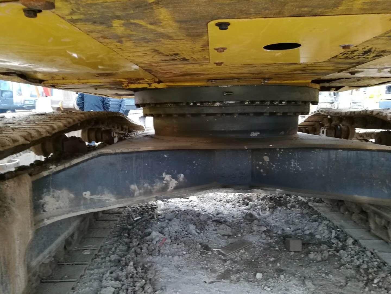 二手小松300挖掘機底盤