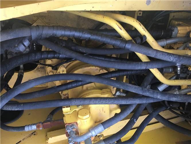 小松220二手挖掘機分配器