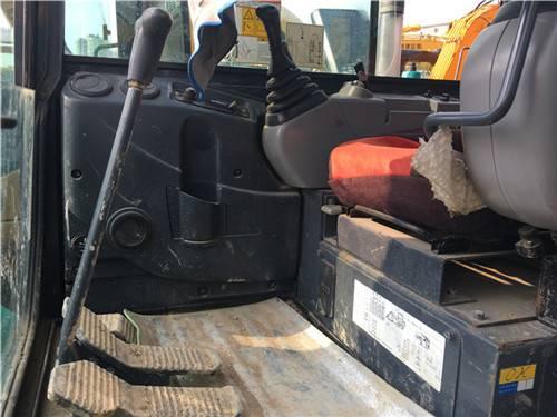 二手神鋼60挖掘機駕駛室