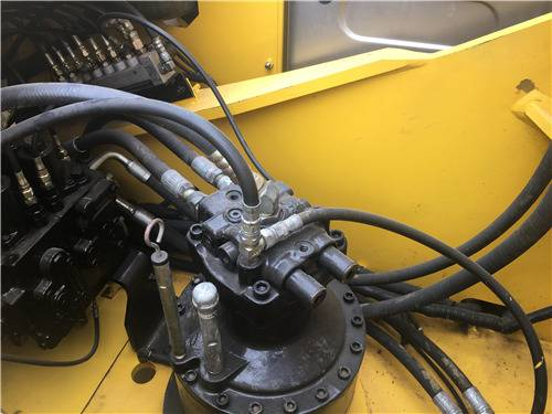 进口二手神钢260D挖掘机分配器