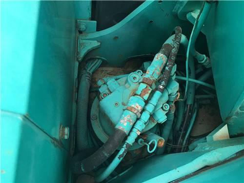 進口神鋼70SR二手挖掘機液壓泵