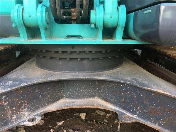 進口二手神鋼210-12挖掘機底盤