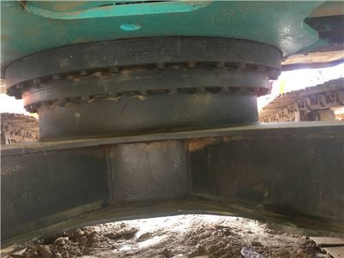 神鋼250-8二手挖掘機底盤