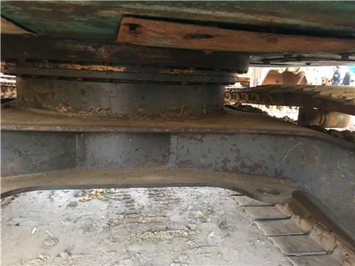 二手神鋼135sr挖掘機底盤