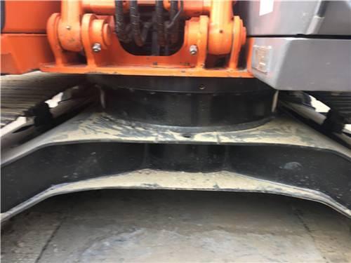 進口二手日立zx120挖掘機底盤