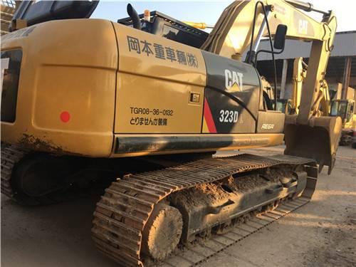 卡特323D二手挖掘機圖片