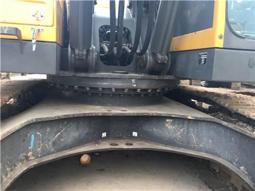 沃爾沃460二手挖掘機正面細節