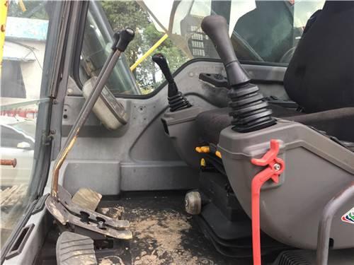 沃爾沃460二手挖掘機駕駛室