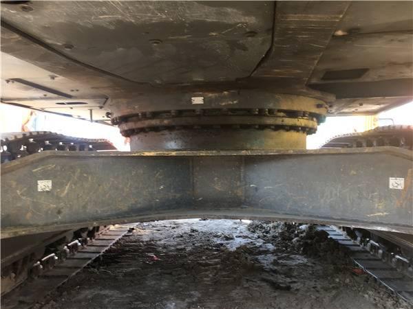 二手沃尔沃290挖掘机底盘