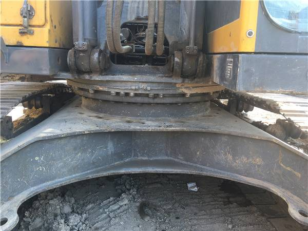 二手沃尔沃290挖掘机转盘