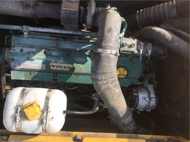 二手沃尔沃290挖掘机发动机