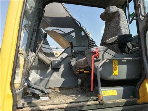 二手沃爾沃240挖掘機駕駛室