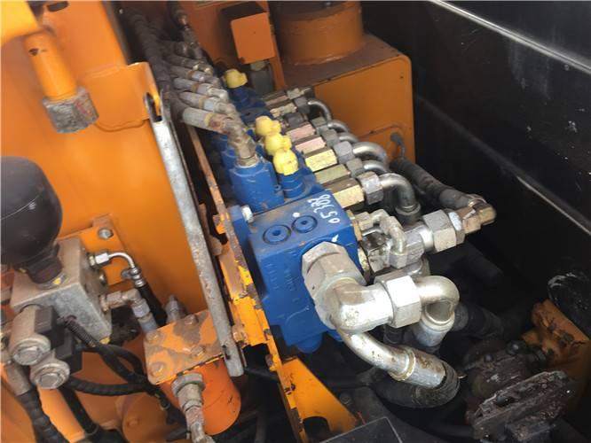 三一55-9二手挖掘機分配器