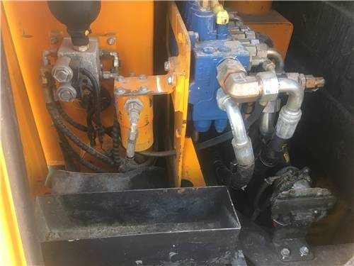 三一60二手挖掘機液壓泵