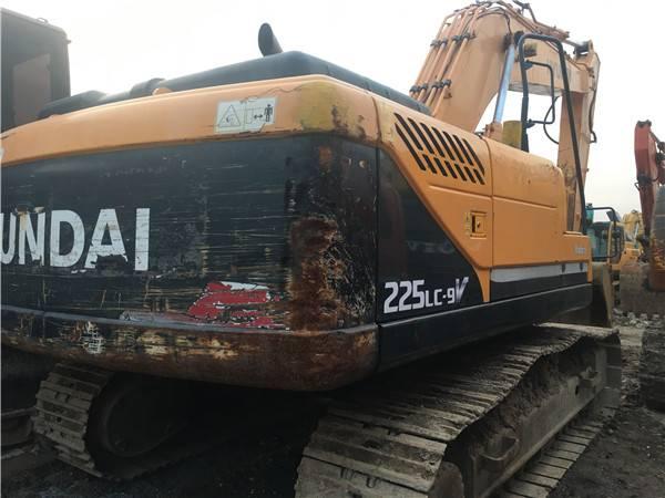 二手現代225-9V挖掘機圖片