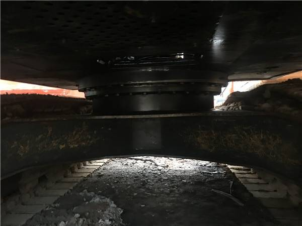 二手現代225-9V挖掘機底盤