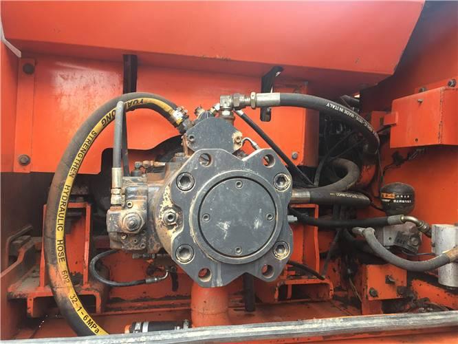 斗山225二手挖掘机液压泵