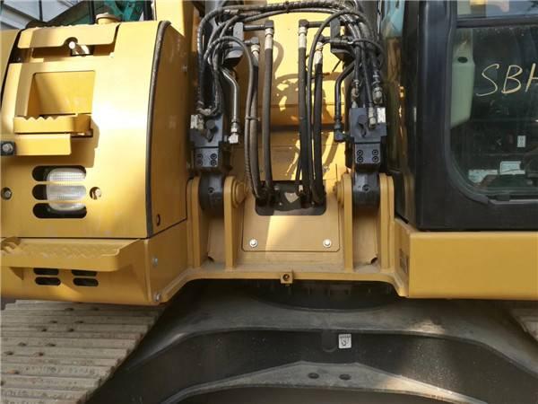 卡特313二手挖掘機正面