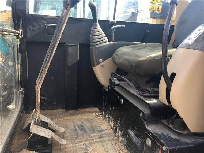 卡特306二手挖掘機駕駛室