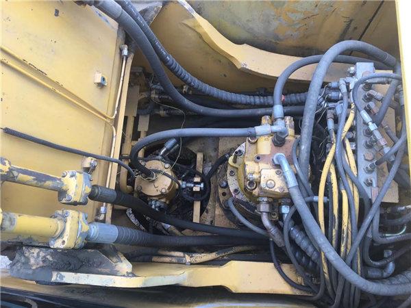 三一215-8s二手挖掘機分配器