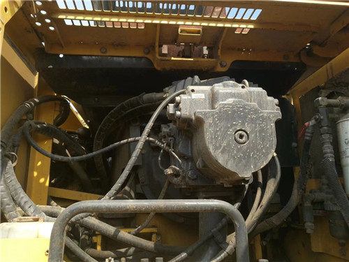 二手小松450-7挖掘機分配器